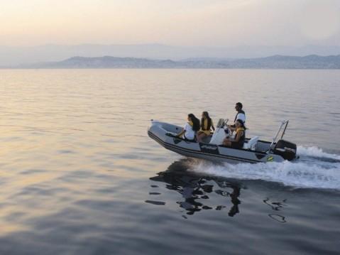 Location bateau Zodiac Pro 9 Man à Marseille sur Samboat