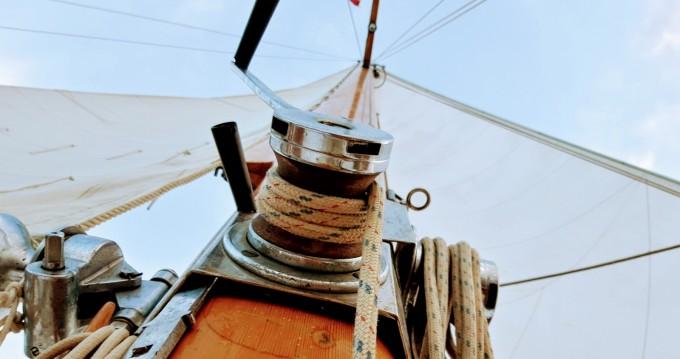 Location bateau Castelldefels pas cher Yawl Marconi