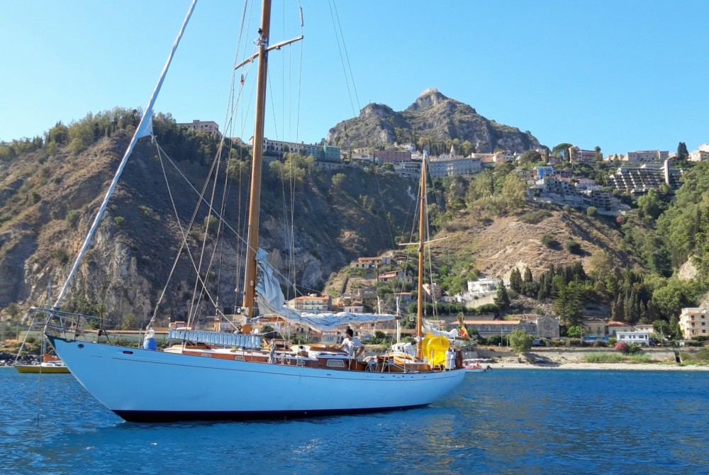 Magnificent Classic Wooden Yacht