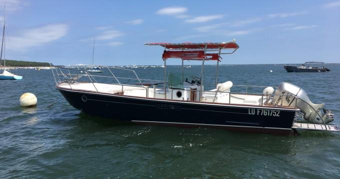 Location bateau Lège-Cap-Ferret pas cher Beacher 840