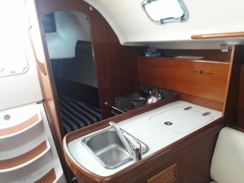 Location yacht à La Trinité-sur-Mer - Bénéteau First 31.7 sur SamBoat
