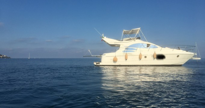 Motor boat for rent Imperia at the best price