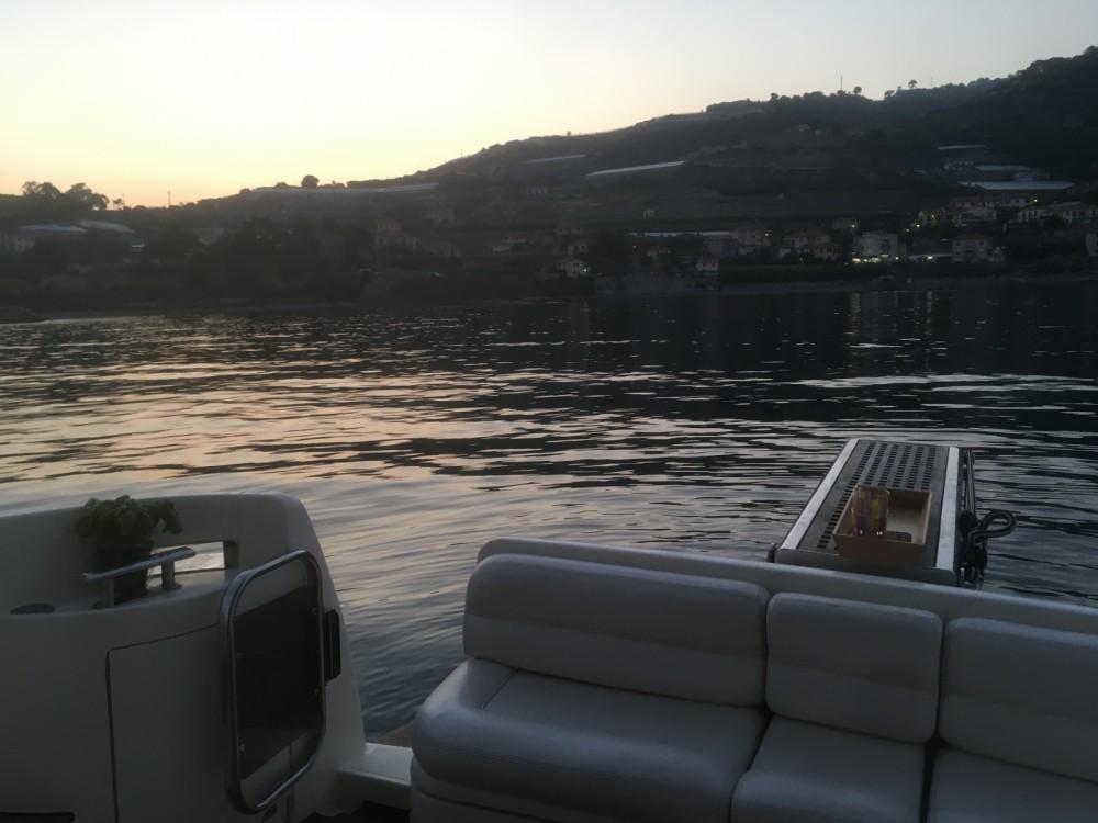 Boat rental Azimut Azimut 39 in Imperia on Samboat