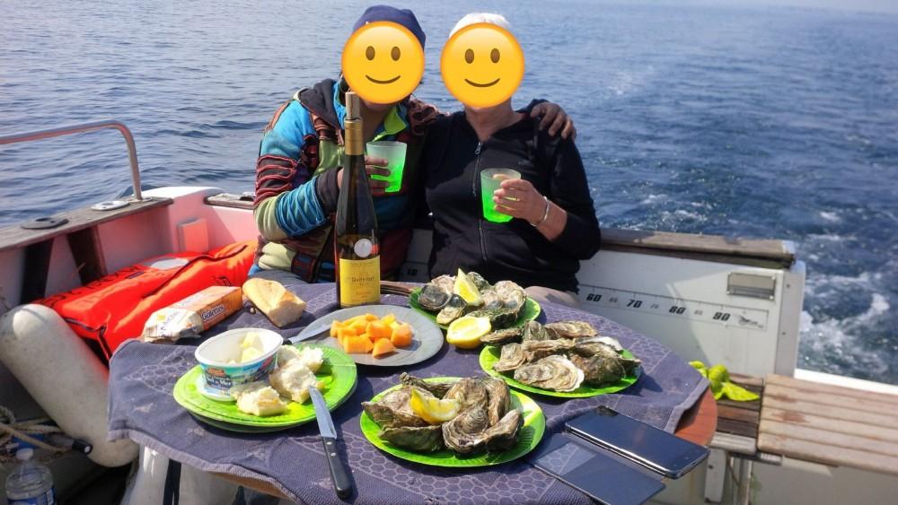 Rental yacht Plougasnou - Bénéteau Merry Fisher 700 on SamBoat