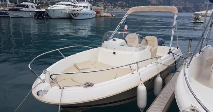 Louer Bateau à moteur avec ou sans skipper Jeanneau à L'Estaque