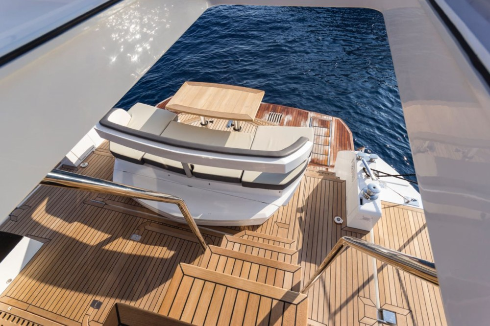 Location bateau Cannes pas cher Galeon 500 Fly