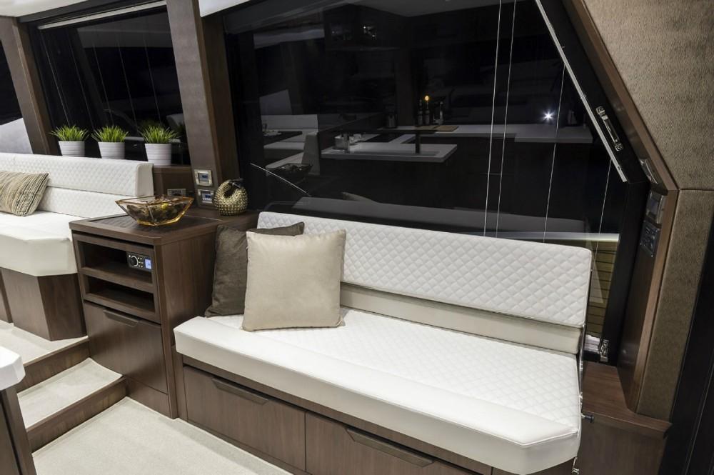 Location bateau Cannes pas cher Galeon 500 Fly