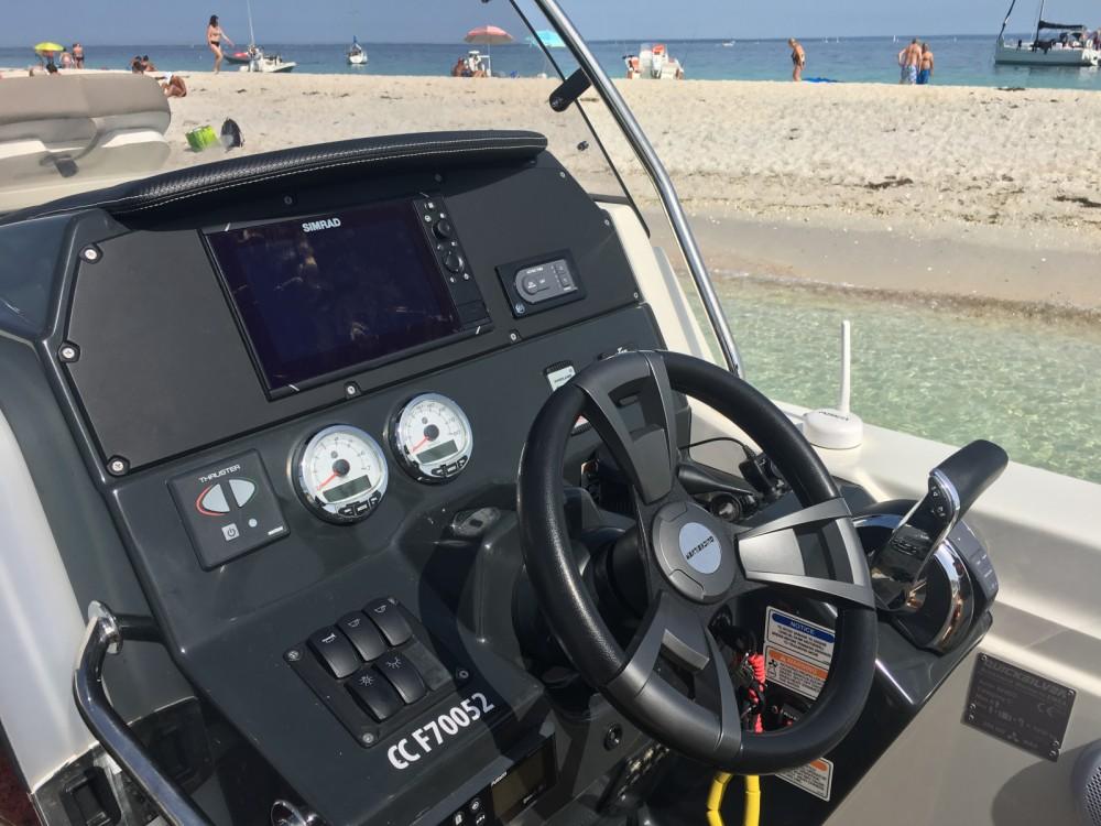 Rent a Quicksilver Quicksilver 805 Sundeck Port-la-Forêt