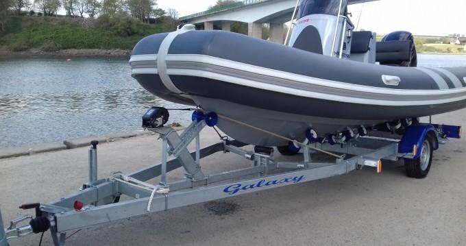 Location bateau Valiant Valiant 550 Sport à Henvic sur Samboat