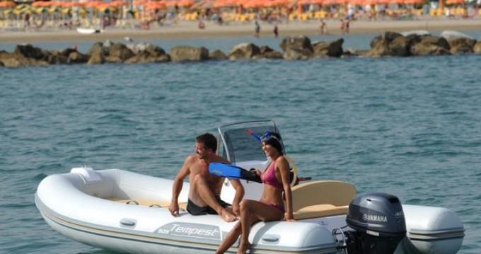 Location yacht à Cavalaire-sur-Mer - Capelli Tempest 505 sur SamBoat