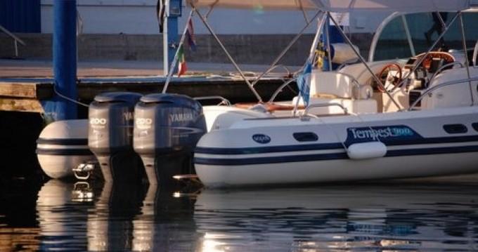 Location bateau Ramatuelle pas cher Tempest 900 WA