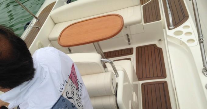 Louer Semi-rigide avec ou sans skipper Capelli à Ramatuelle