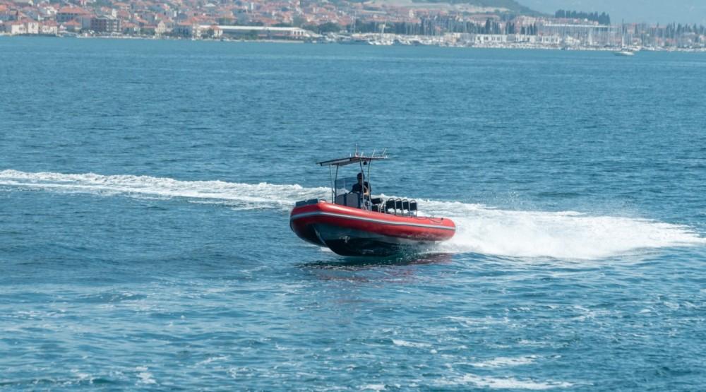 Location Semi-rigide Ris Marine avec permis