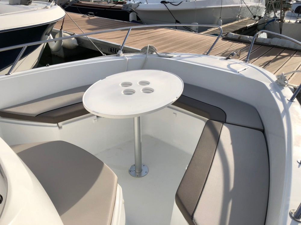 Hire Motor boat with or without skipper Jeanneau Pornic