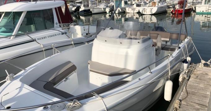 Location bateau Pornic pas cher Cap Camarat 6.5 CC