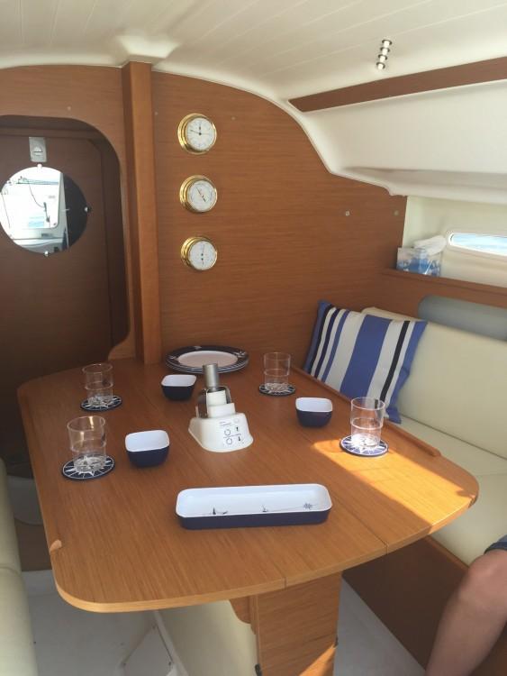 Boat rental Bénéteau First 25 in Lège-Cap-Ferret on Samboat