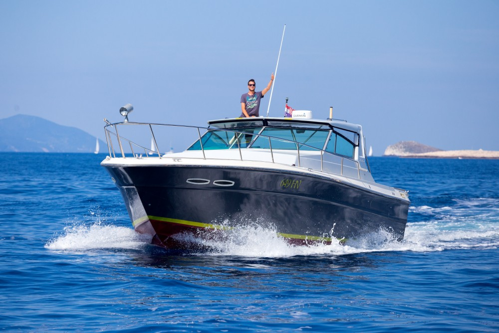 Hire Motor boat with or without skipper Sea Ray Split