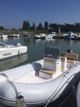 Louer Semi-rigide avec ou sans skipper Capelli à Le Pouliguen