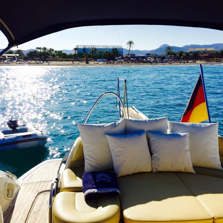 location bateau  u00e0 moteur cranchi mediterranee 43 cranchi 43 mediterranee - ibiza