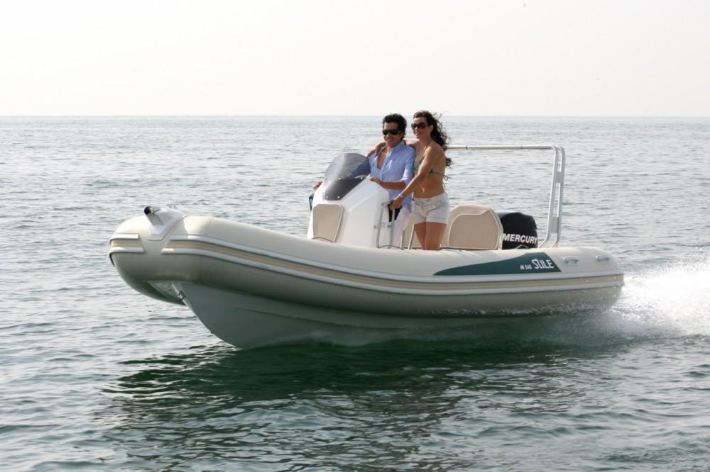 Louer Semi-rigide avec ou sans skipper Arimar à Marina Punta Verde