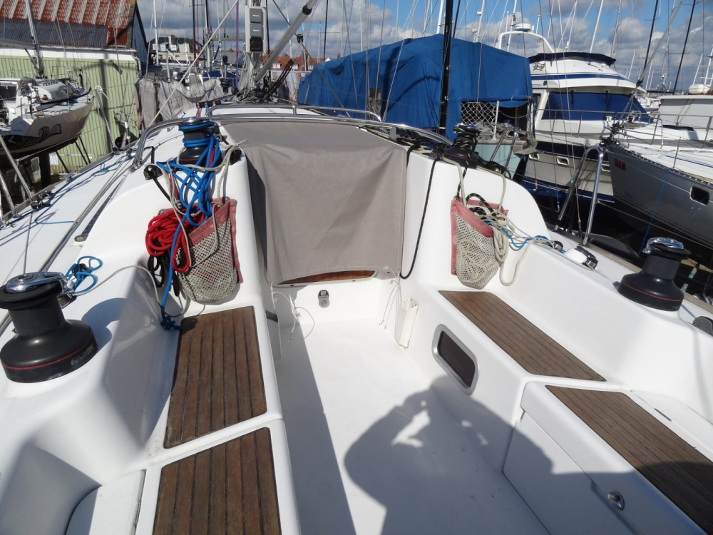 Rental Sailboat in Eastleigh - Bénéteau First 40.7