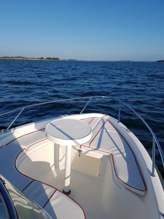 Location Bateau à moteur à Vannes - B2 Marine Cap Ferret 552 Sun Deck