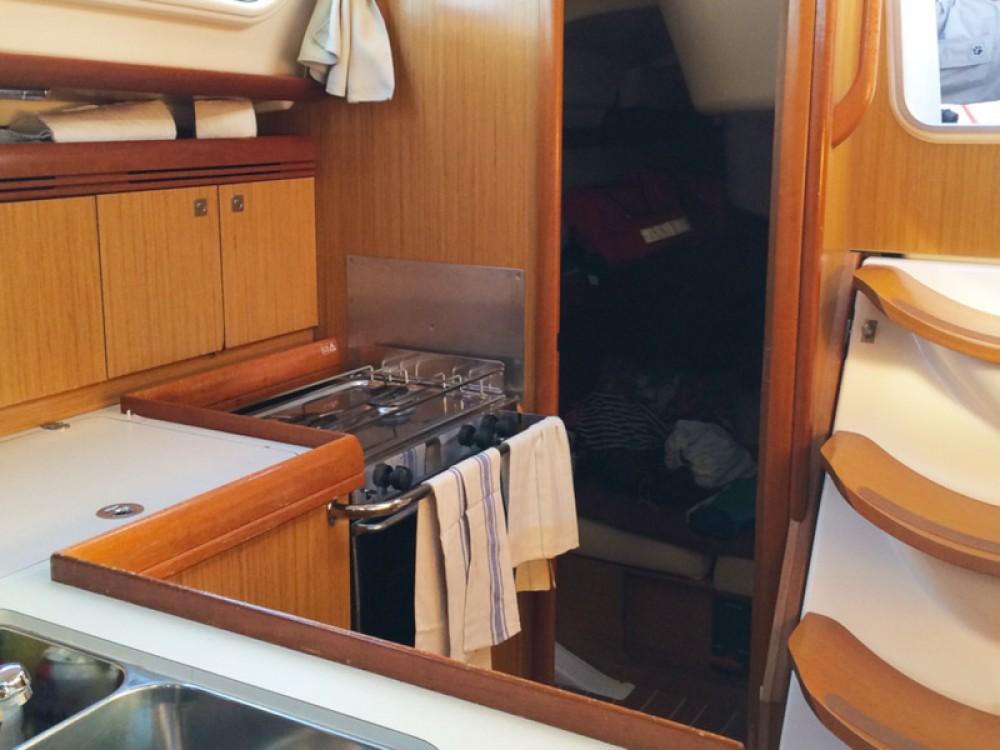 Louez un Jeanneau Sun Odyssey 36i à Cannigione