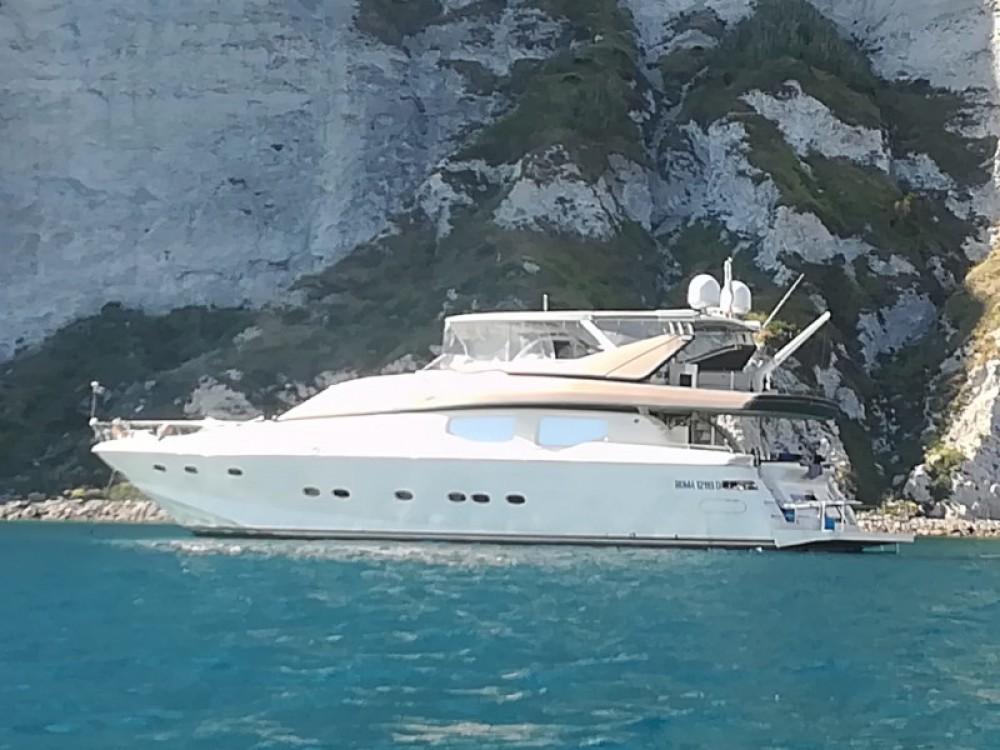 Location bateau Bavaria Rizzardi Posillipo Technema 80 à Ponza sur Samboat