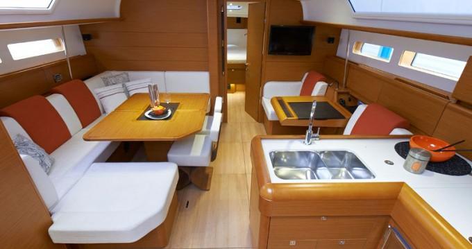 Location bateau Jeanneau Sun Odyssey 469 à Raslina sur Samboat