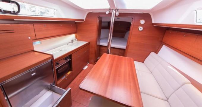 Location bateau Raslina pas cher Dufour 382 Grand Large
