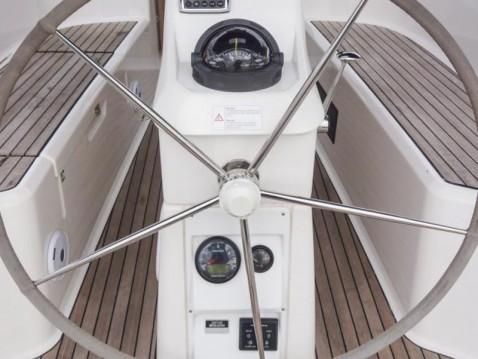 Bavaria Cruiser 33 entre particuliers et professionnel à Marina Baotić
