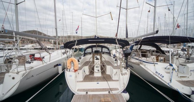 Location bateau Bavaria Cruiser 33 à Marina Baotić sur Samboat