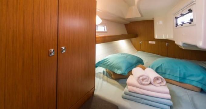 Location yacht à Marina Baotić - Bavaria Cruiser 33 sur SamBoat