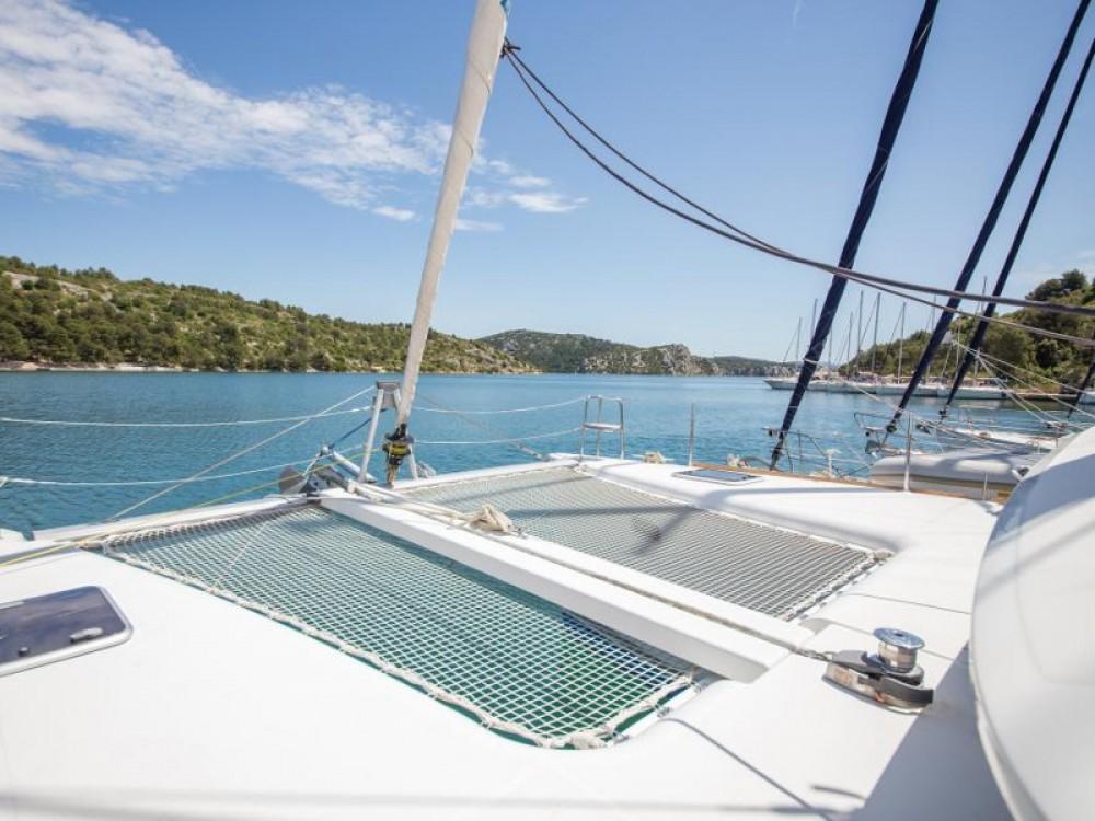 Louer Catamaran avec ou sans skipper Lagoon à Raslina