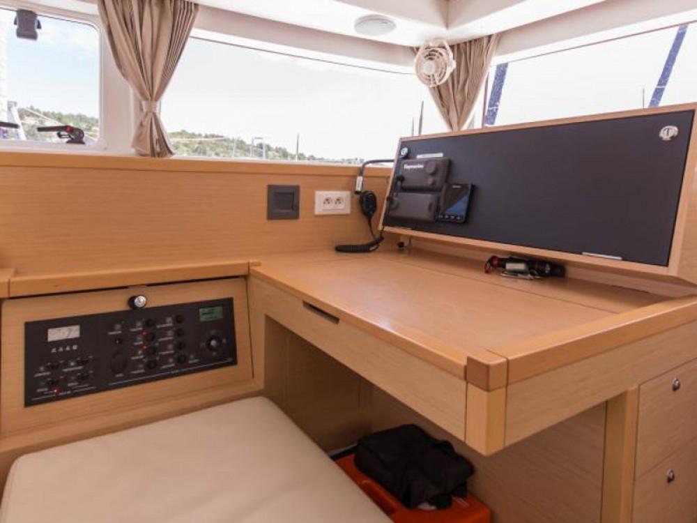 Location yacht à Raslina - Lagoon Lagoon 400 S2 sur SamBoat