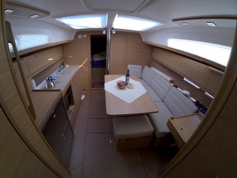 Location yacht à Raslina - Dufour Dufour 382 Grand Large sur SamBoat
