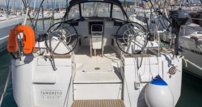 Location bateau Jeanneau Sun Odyssey 439 à Marina Baotić sur Samboat