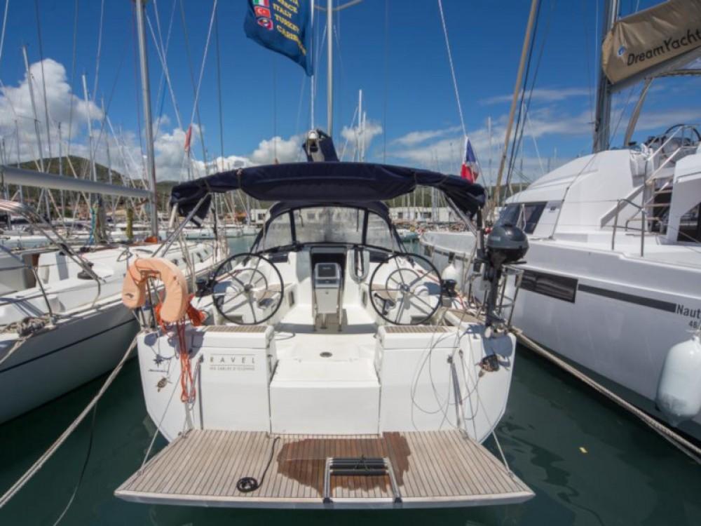 Louer Voilier avec ou sans skipper Jeanneau à Marina Baotić