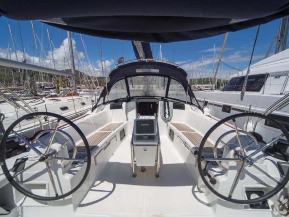 Louez un Jeanneau Sun Odyssey 449 à Marina Baotić