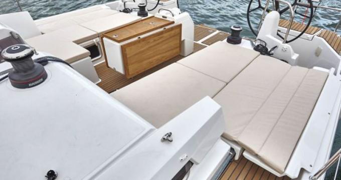 Louez un Jeanneau Sun Odyssey 440 à Μαρίνα Αλίμου