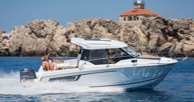Louer Bateau à moteur avec ou sans skipper Jeanneau à Marina Zadar
