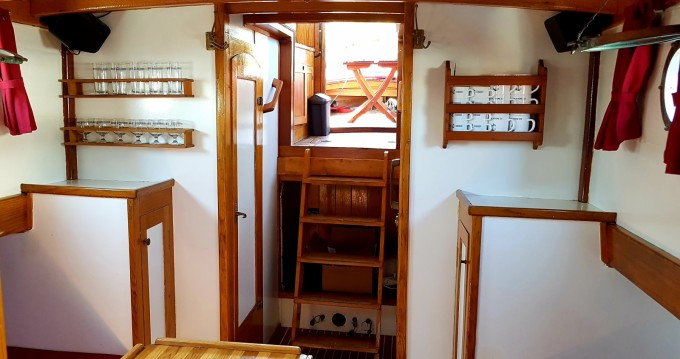 Louer Bateau à moteur avec ou sans skipper Bavaria à Split
