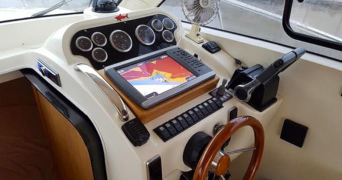 Louer Bateau à moteur avec ou sans skipper Adex à Marina Kornati