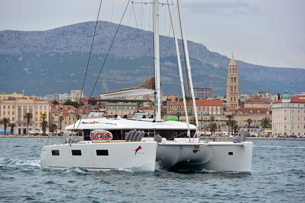 Rental Catamaran in Marina Kaštela - Lagoon Lagoon 620