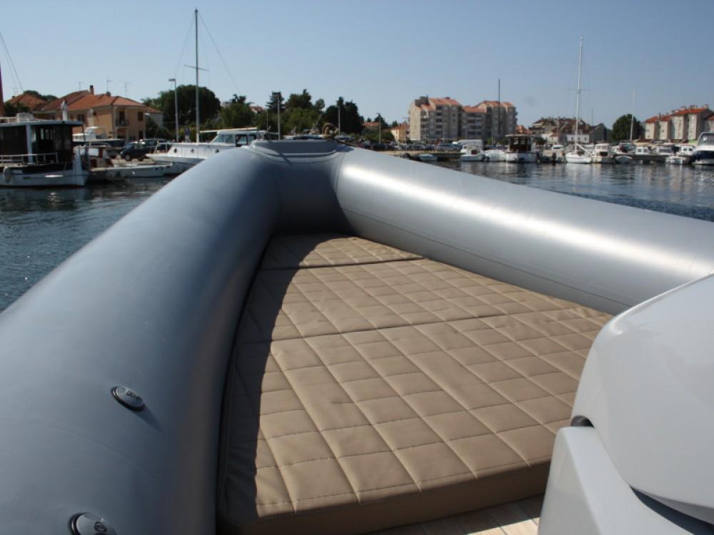 Huur Motorboot met of zonder schipper Bavaria in Marina Kornati