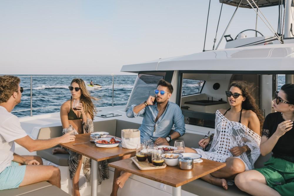 Bali Catamarans Bali 4.1 entre particuliers et professionnel à Barcelone