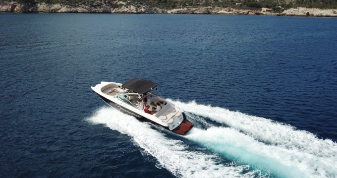 Motor boat for rent Santa Ponsa at the best price