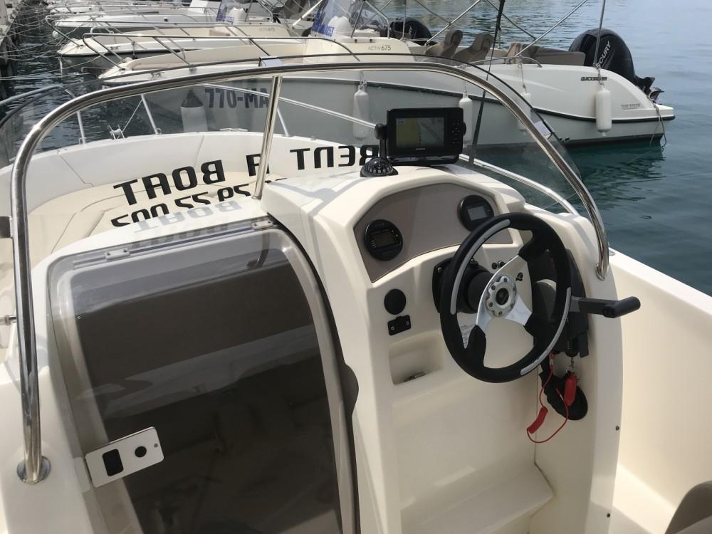 Bootverhuur Jeanneau Cap Camarat 635 in Makarska via SamBoat
