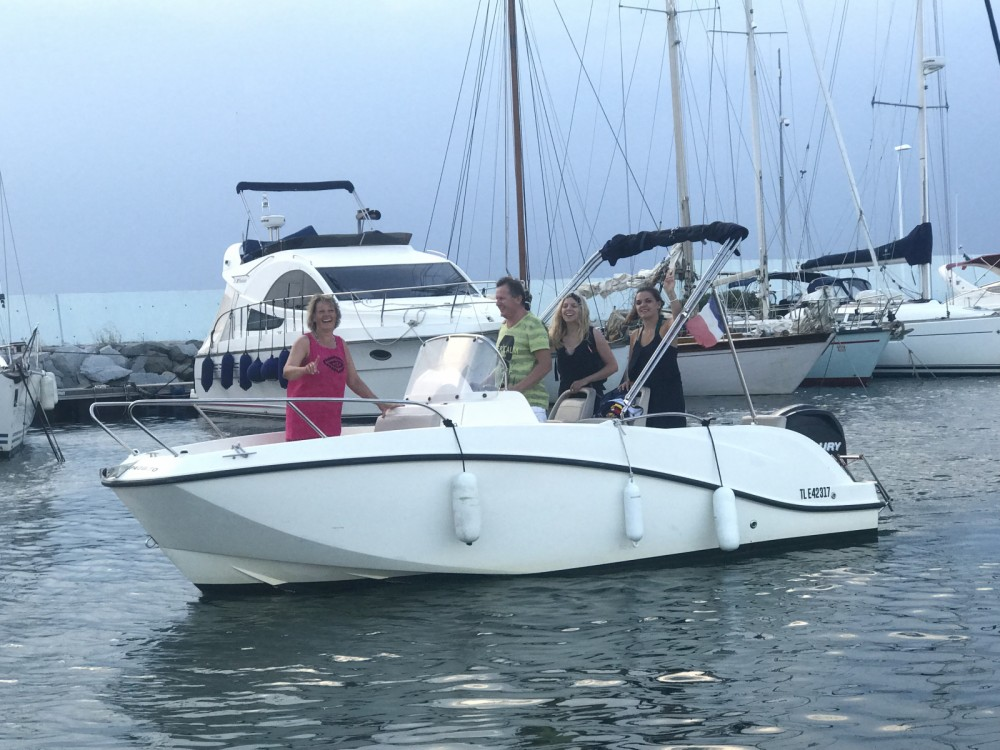 Location bateau Fréjus pas cher Activ 605 Open