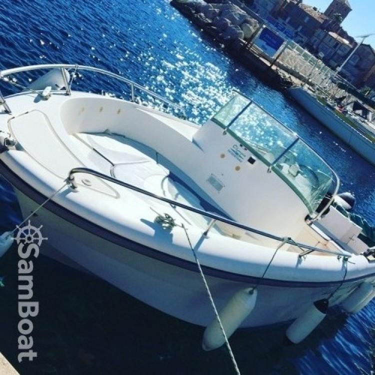 Barca a motore a noleggio La Ciotat al miglior prezzo
